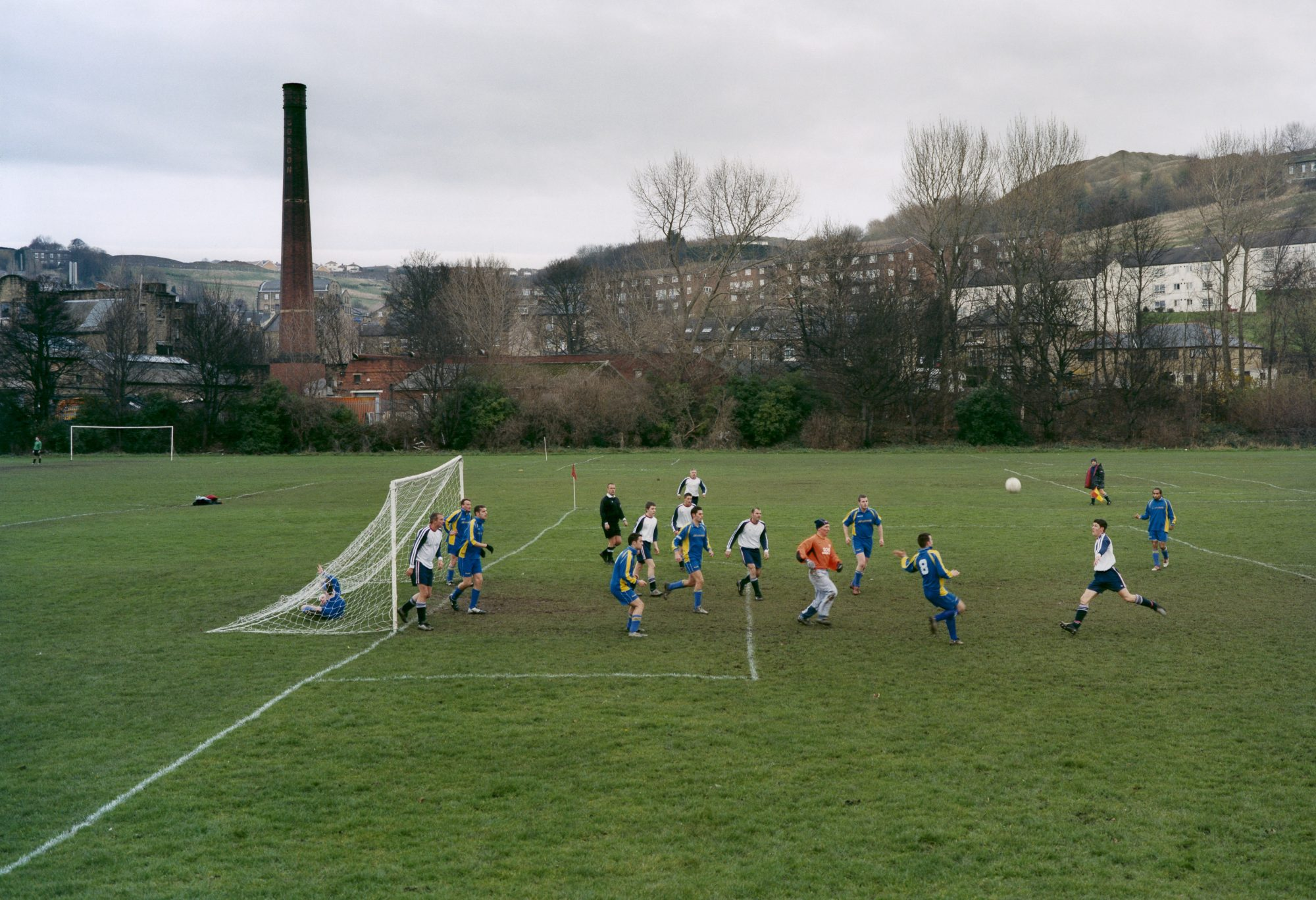 Bradford, England 31-10-2004. Woodman Rovers - New Inn: 4-1, Bradford Sunday Alliance Football League, Division 2B. From European Fields © Hans van der Meer/ Hollandse Hoogte
